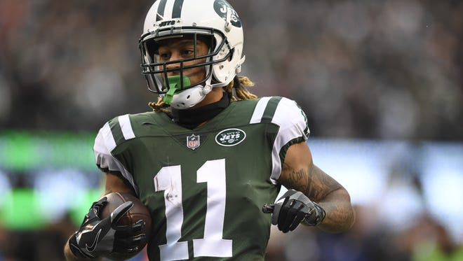 New York Jets wide receiver Robby Anderson (11) scores a 54-yard touchdown in the third quarter. The Carolina Panthers defeat the New York Jets 35-27 on November 26, 2017 in East Rutherford, NJ.