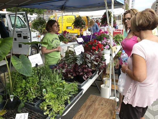Plant vendors seemed to be the busiest during the inaugural