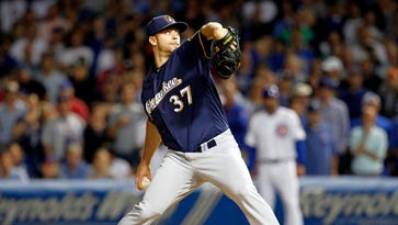 Red Sox acquire reliever Tyler Thornburg from Milwaukee