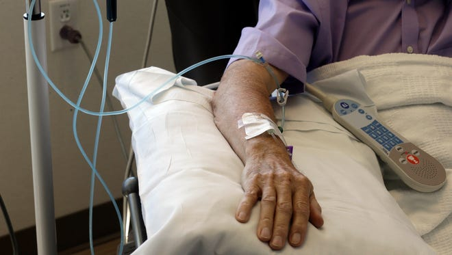 Married patients are more likely to survive cancer, a new study finds.