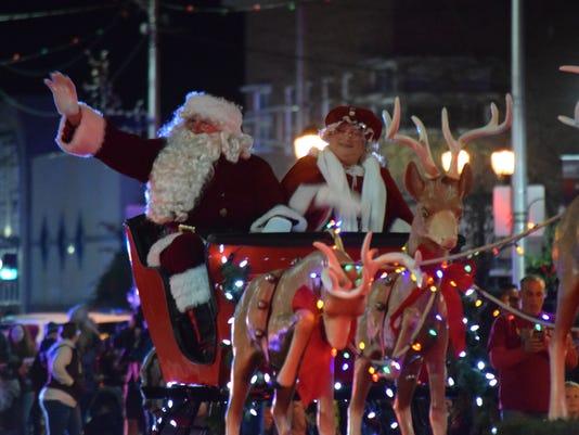 636473051913831195-Vld-Christmas-Parade-2.jpg