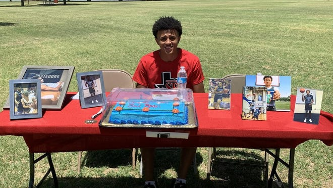 Estacado guard Matthew Simpson signed his national letter of intent to play basketball at Sul Ross State University on Sunday at Dupree Park. He'll be the third Matador in two years and the second this year from the Lubbock area to sign with the Lobos.