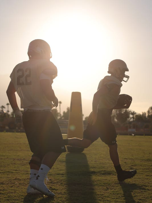 -TDS Xavier Prep football preview005.JPG_20140814 (2).jpg