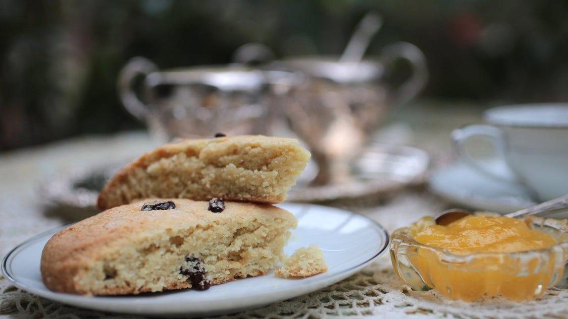 Recipe: Sweet Cream Scones with Currants