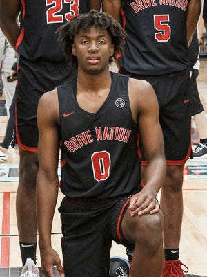 5-star point guard Tyrese Maxey picked Kentucky over Michigan and Michigan State on Wednesday.