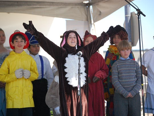 Children perform for the 2018 Founder's Day in Salinas