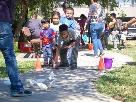 Wonder Wood organizaron juegos, rifas y actividades artísticas para los niños en sociedad con la Iglesia comunitaria del Valle de Salinas, la Iglesia Encounter y Studio 3:16.