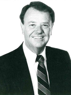 New Mexico State Hall of Fame player and coach Larry Beem passed away on Friday night.