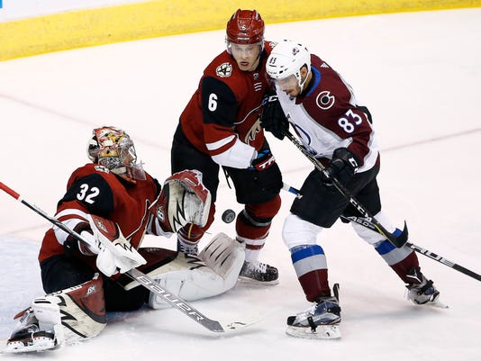huge selection of 11f8e 1cc9a Carl Soderberg scores twice, Avs rout Coyotes 6-2