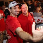Arizona baseball fans welcome team back from CWS
