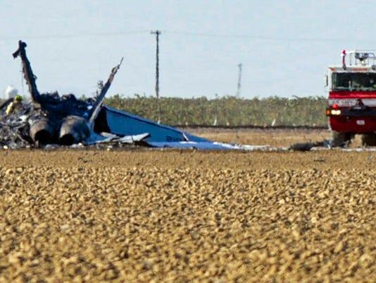 Pilot ejects safely in fighter jet crash southwest of Fresno