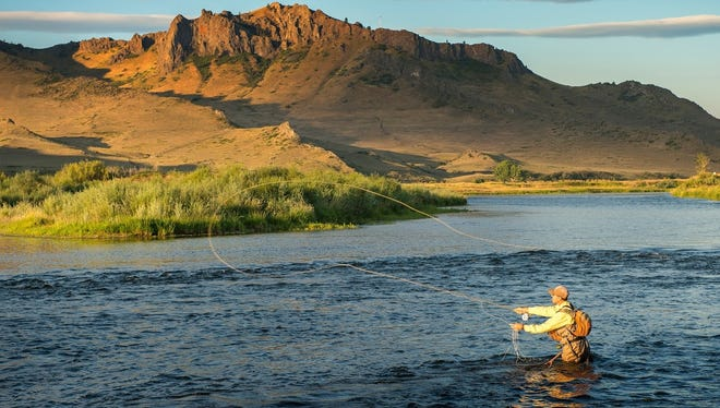 Fly fishing on the Missouri River