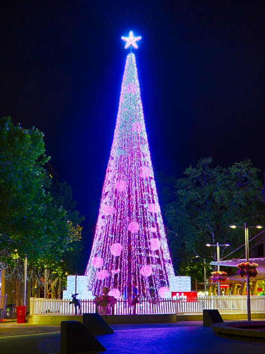Australian Christmas Tree Sets World Record With 518 838