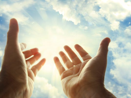 ldn-sub-090516-Hands in sky