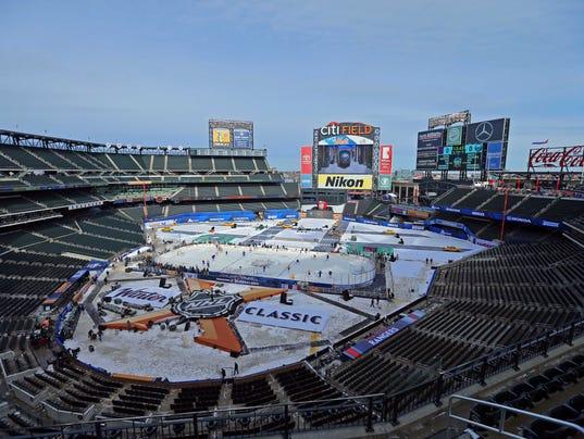 USP NHL: WINTER CLASSIC-PRACTICE S HKN USA NY