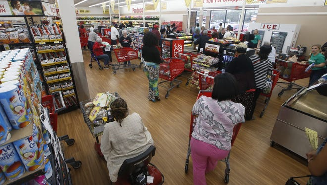 A new Piggly Wiggly grocery store opened Thursday in the Southside Shopping Plaza on South Monroe Street in Tallahassee. The area was previously considered food desert after a local Harveys Supermarket closed in the same location.