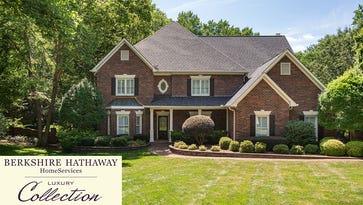 Luxury Home - 14 Hitchcock Lane