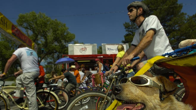 Maggie the dog was one of the competitors, on back of her owner's bike, in the clunker classic during the 2006 Tour De Nez in Reno.