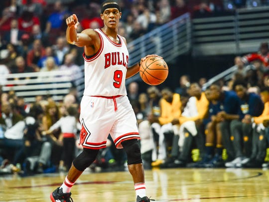 Oct 29, 2016; Chicago, IL, USA; Chicago Bulls guard Rajon Rondo (9) directs the offense against the Indiana Pacers during the first half at United Center.