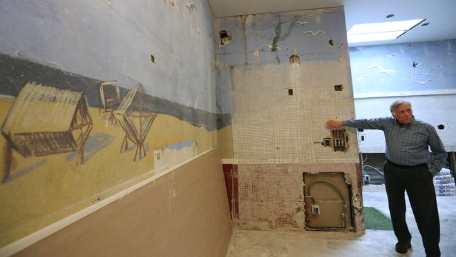 West Foundation president Tom Bare shares the discovery of a large mural painted by artist Lester W. Bentley in the 1934-built house on the West of the Lake Gardens property.