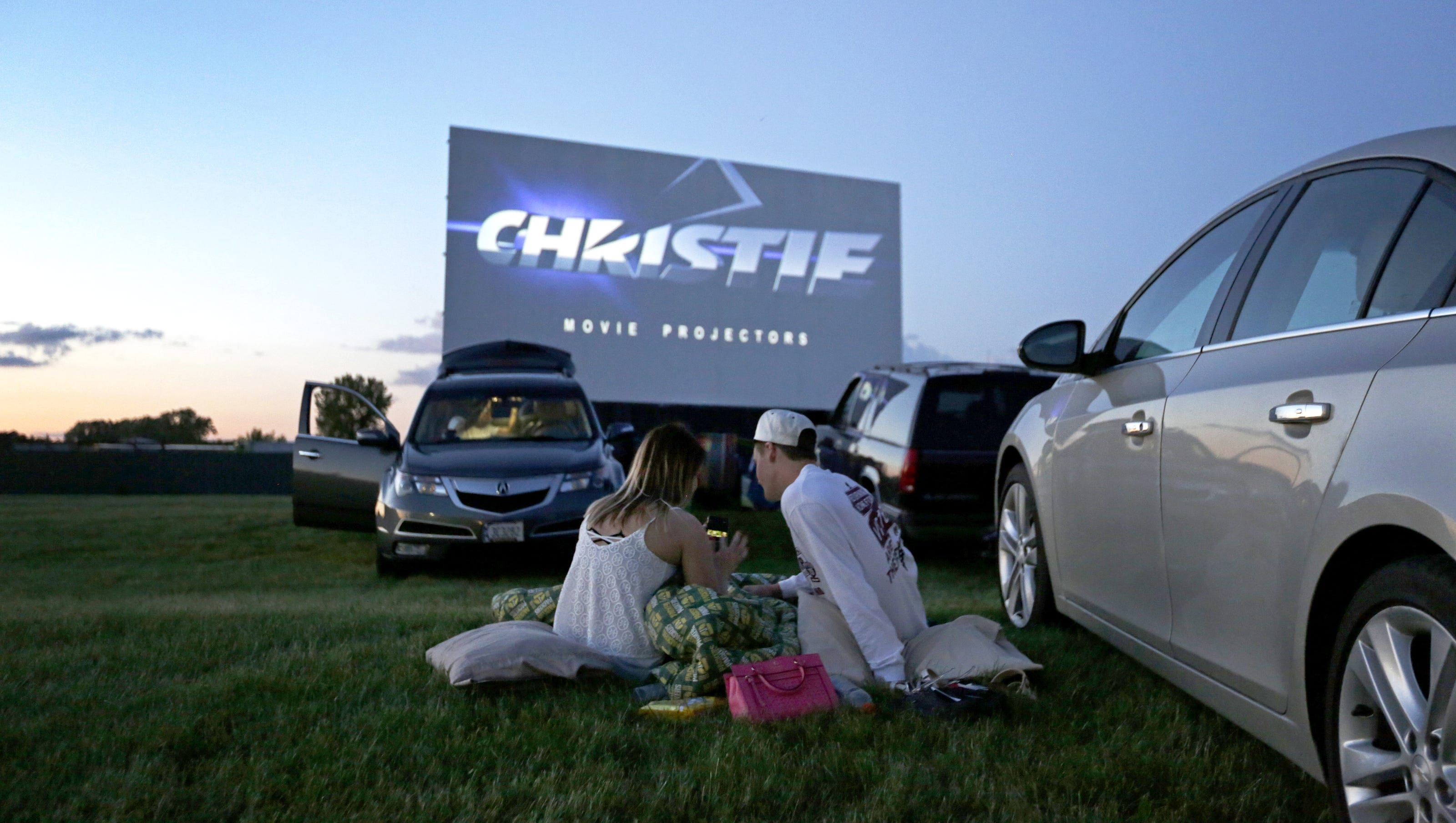 Drive in theaters all about the experience