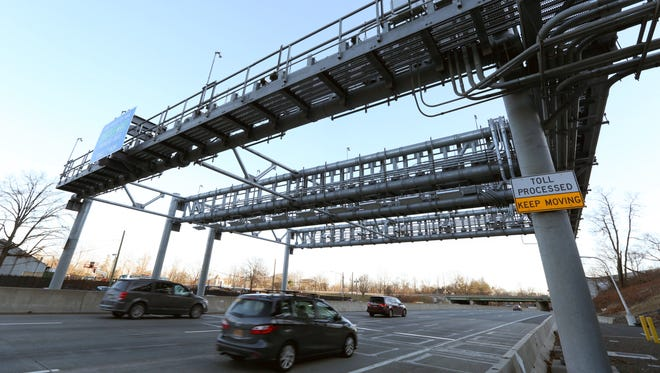 The electronic toll gantry for the Gov. Mario Cuomo Bridge on the eastbound New York State Thruway in South Nyack Dec. 13, 2017.
