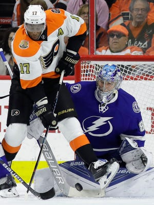 Wayne Simmonds and the Flyers went 0-for-5 on the power play Saturday.