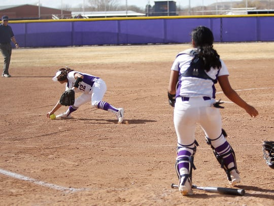 Kirtland Central's Brianna Switzler (12) tracks down