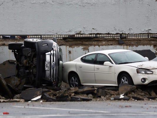 parking-deck-collapse-050318-2