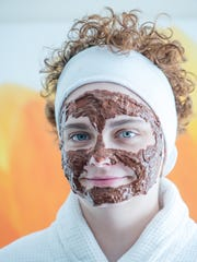 This mud mask uses raw cacao powder as one of its key ingredients.