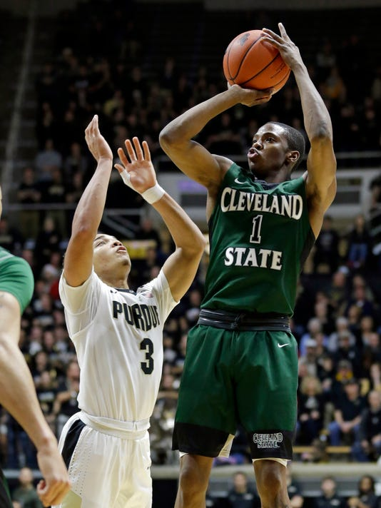 Cleveland State guard Kenny Carpenter (1) shoots over Purdue guard Carsen Edwards (3) in the first half of an NCAA college basketball game in West Lafayette, Ind., Saturday, Dec. 10, 2016. (AP Photo/Michael Conroy)