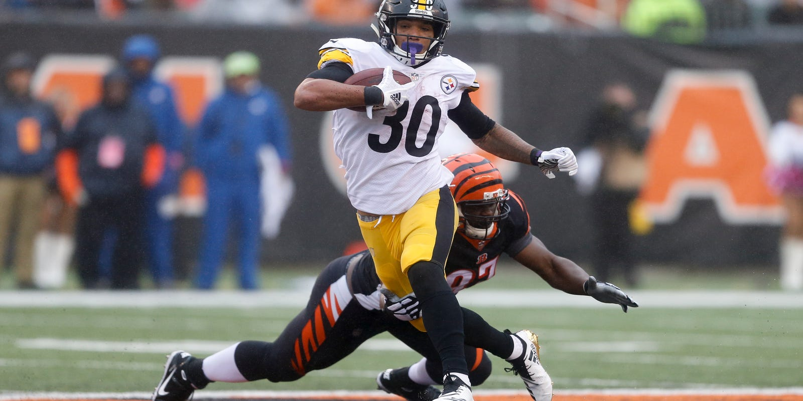 51d625c4 Steelers ready to plow forward with - or without - Bell