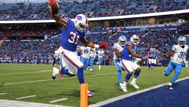 Bills running back Jonathan Williams was cut Sunday afternoon.