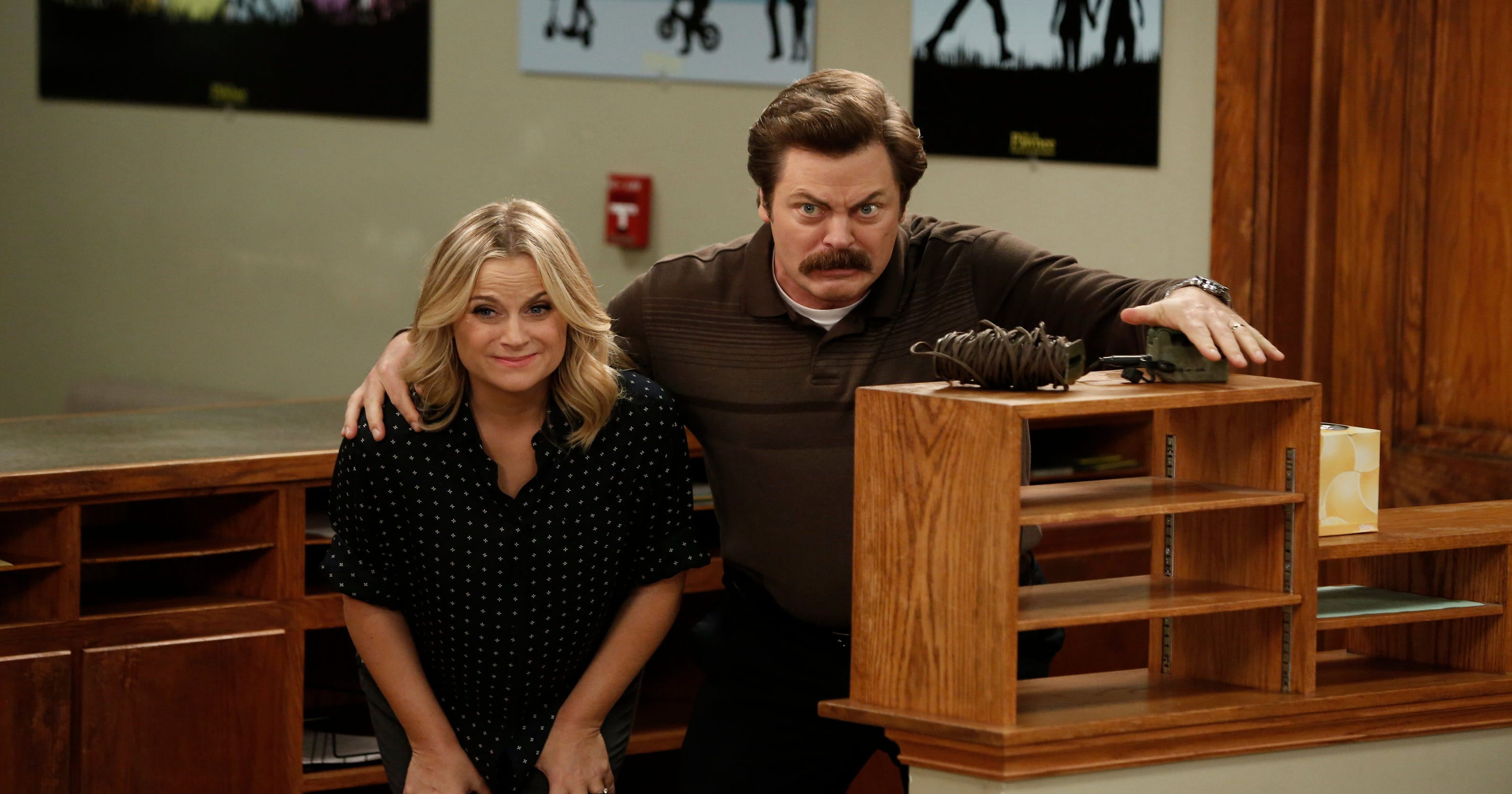 amy poehler nick offerman get crafty for nbc competition series. Black Bedroom Furniture Sets. Home Design Ideas