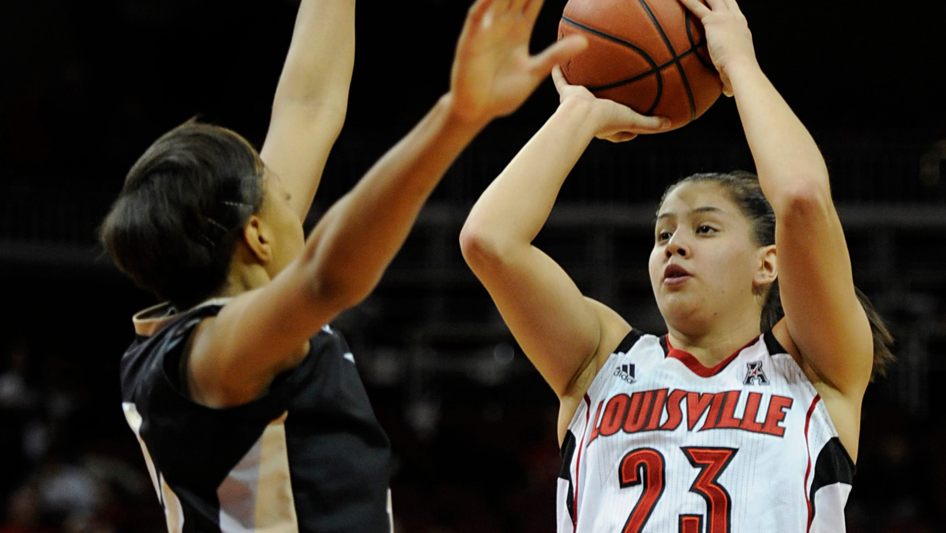 Top 25: Louisville rolls, Iowa State and Purdue upset
