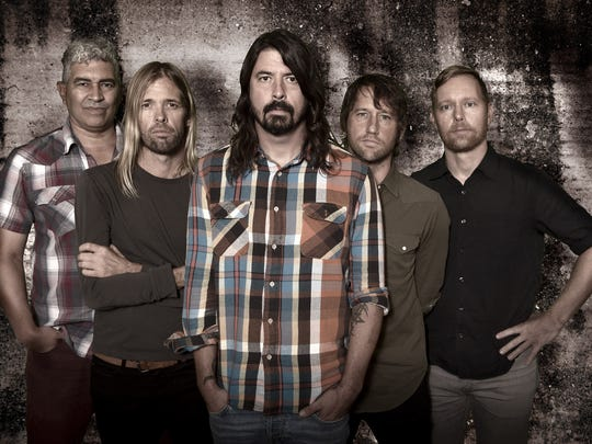 Dave Grohl (center) and Foo Fighters play Ak-Chin Pavilion