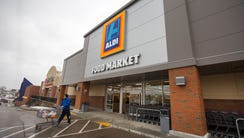 Aldi just opened the Glenway Avenue store in Western
