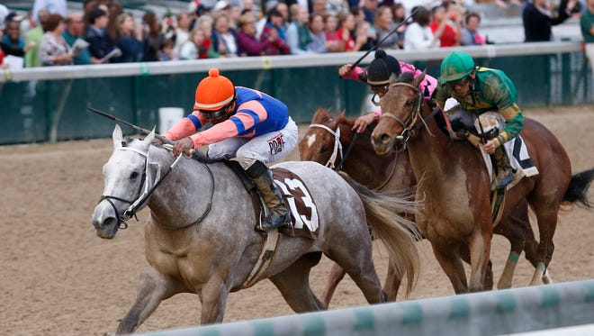 Stageplay cruised to a win Sunday in Churchill Downs' Rags to Riches.