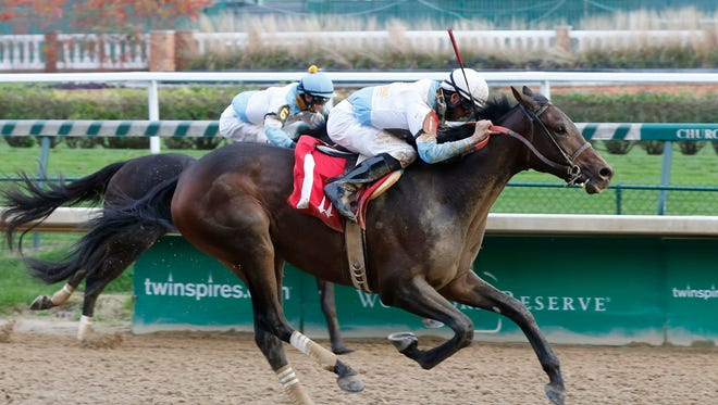 Mo Tom took Churchill Downs' Street Sense Stakes on Sunday.