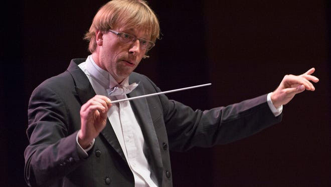 Eckart Preu conducting the Chamber Orchestra in August.
