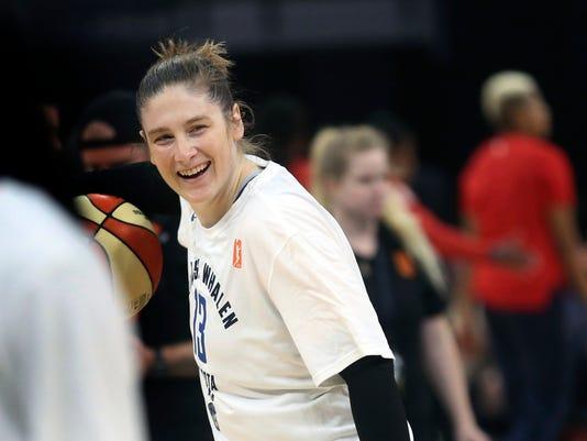 Mystics_Lynx_Basketball_96695.jpg