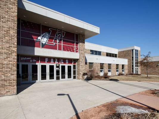 Foyer Area High School : Menomonee falls to induct three into its hall of fame