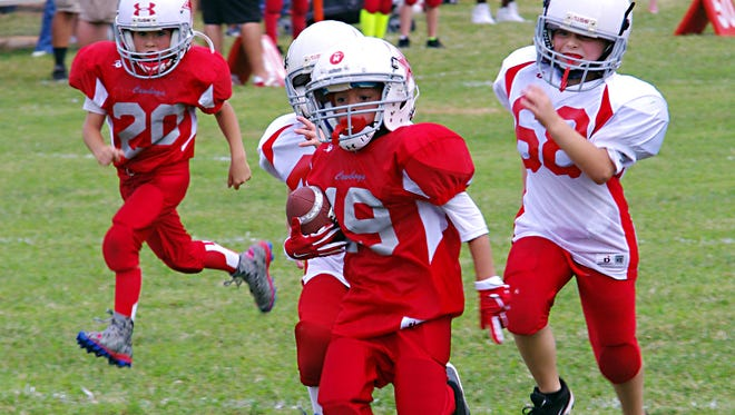 The Burns Cowboys are undefeated all four age groups in Tr-County Jr Pro football - Burns peewees vs. McEwen - Week One.