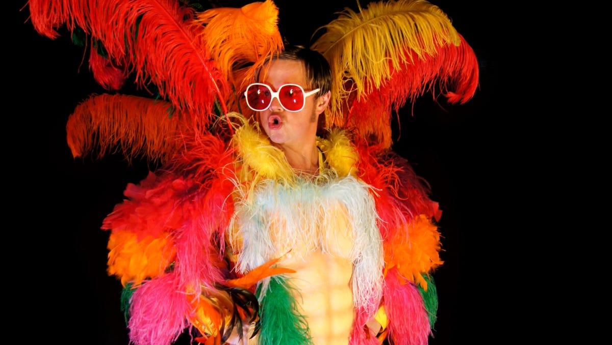 Visalia Fox Hosts Elton John Tribute Show