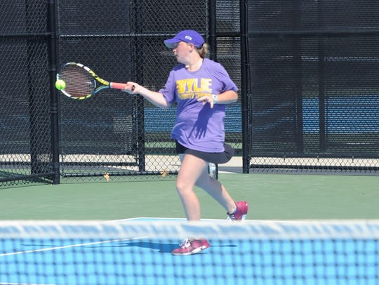 Wylie's Elle Schroeder hits a shot during the girls