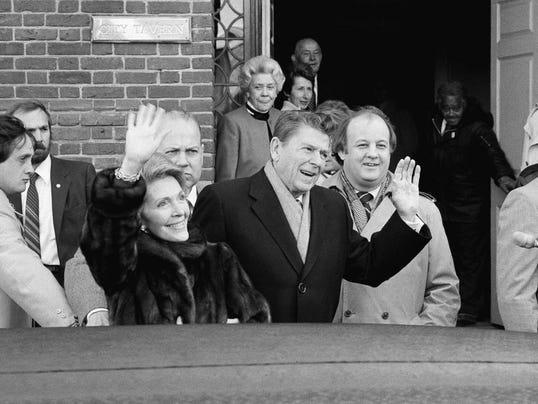 """FOTO James """"Jim"""" Brady e Ronald Regan"""