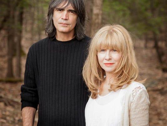 Larry Campbell & Teresa Williams hi res - by Jana Leon.jpg