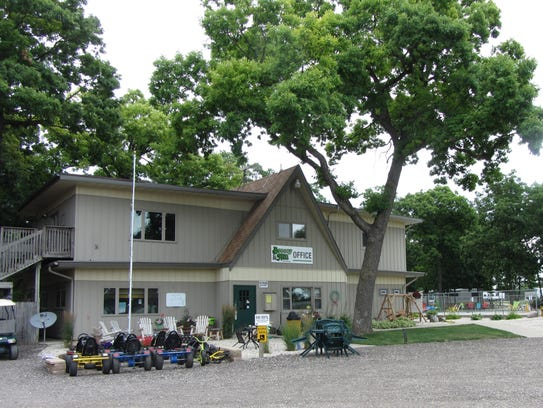 Breezy Hill Campground, N4177 Cearns Lane, Fond du