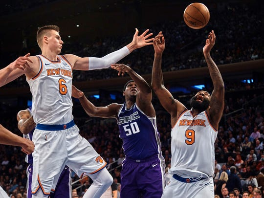 New York Knicks' Kristaps Porzingis, left, and Kyle