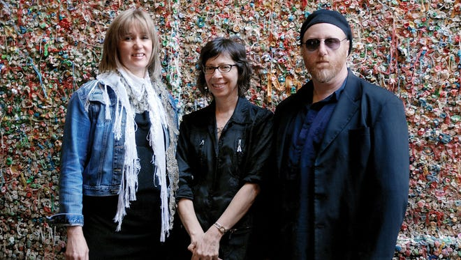 Seattle folk-pop trio Uncle Bonsai will play a concert 6:30 p.m. Sunday at Temple Beth Sholom.